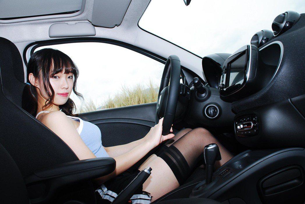 車內長這樣。記者林昱丞/攝影