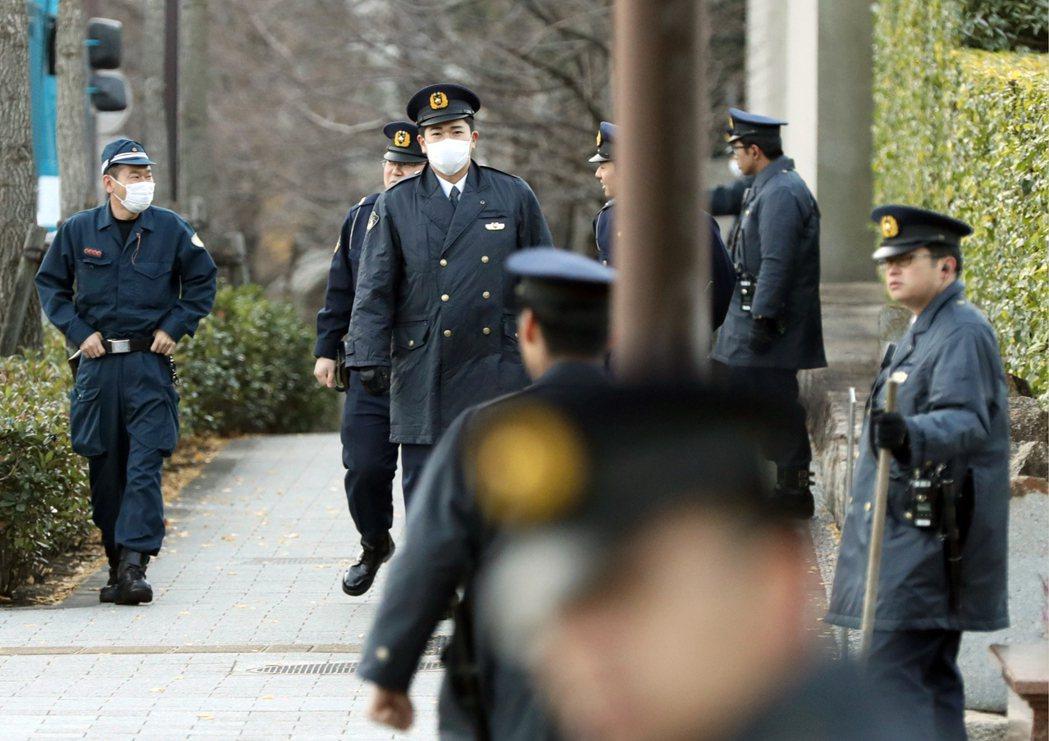 當日本政府意圖推動破壞活動防止法和警察官職權行使法,將「國體」置換為「公共安全」...
