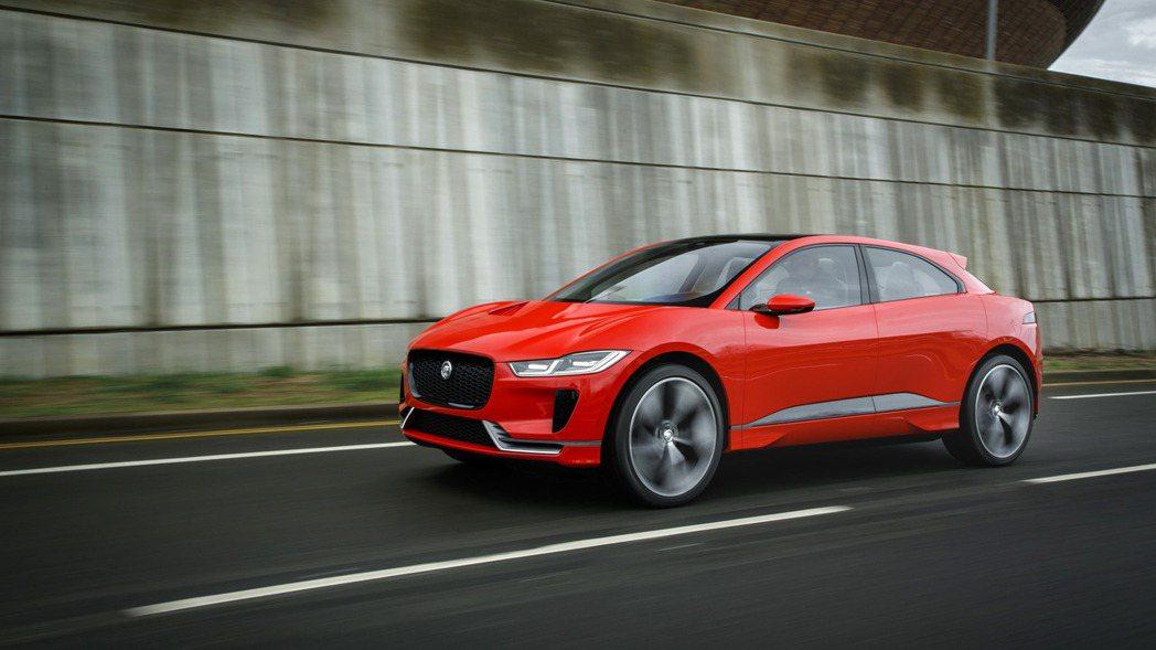 Jaguar 將會在下月登場的法蘭克福車展中,正式亮相首款電動跨界休旅I-Pace。 摘自Jaguar