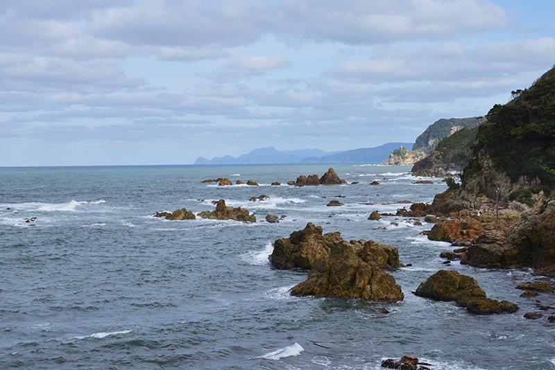 山陰海岸地質公園・日和山海岸。
