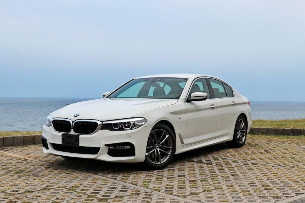 新世代5-Series的銷售情況成長許多,圖為BMW 520i M Sport。 記者陳威任/攝影