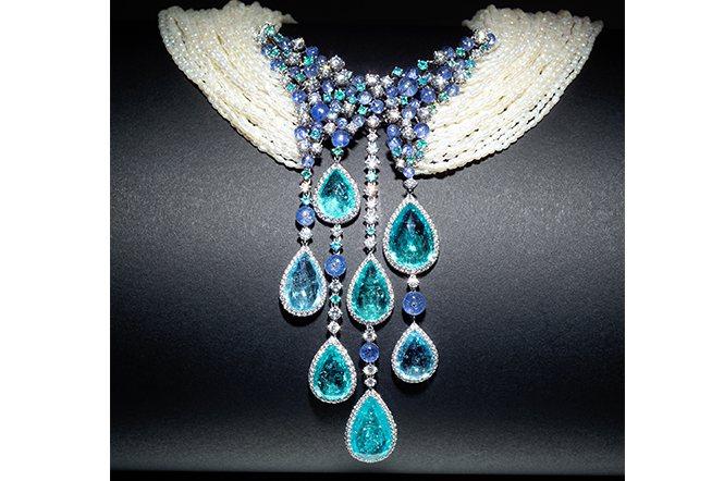 SCAVIA的作品總是兼具創意與時尚。