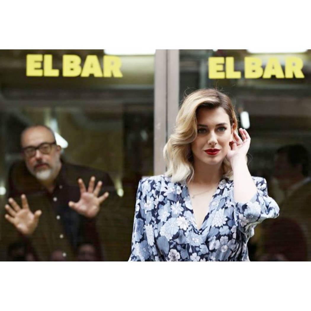 號稱西班牙「第一美胸」28歲性感女星布蘭卡蘇拉茲,在黑色喜劇新片「抓狂酒吧」中犧...