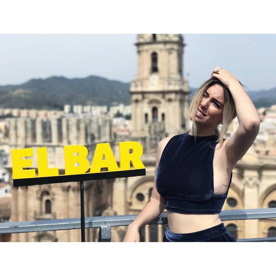 號稱西班牙「第一美胸」28歲性感女星布蘭卡蘇拉茲。圖/取自IG
