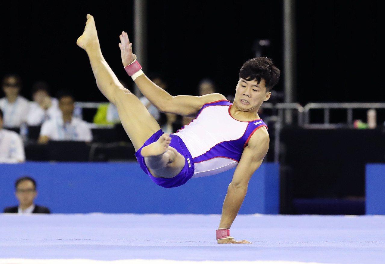 世大運競技測試賽第二天,地主好手唐嘉鴻收下地板金牌。圖/世大運組委會提供