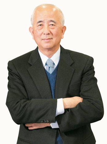 第一金董事長蔡慶年表示,秉持「百年傳承,創新服務」精神,致力愛護地球,推動低碳生...