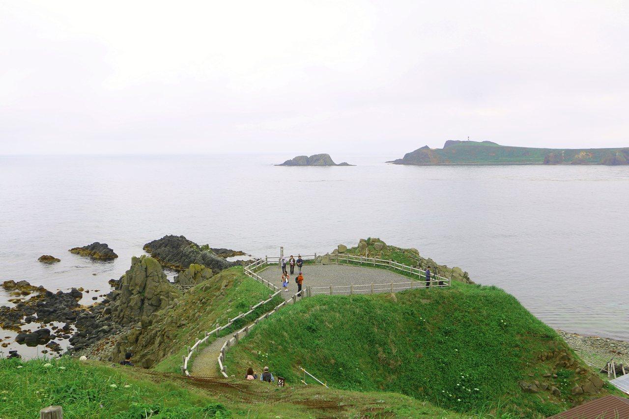 晴天時可於須古頓海角看見庫頁島。