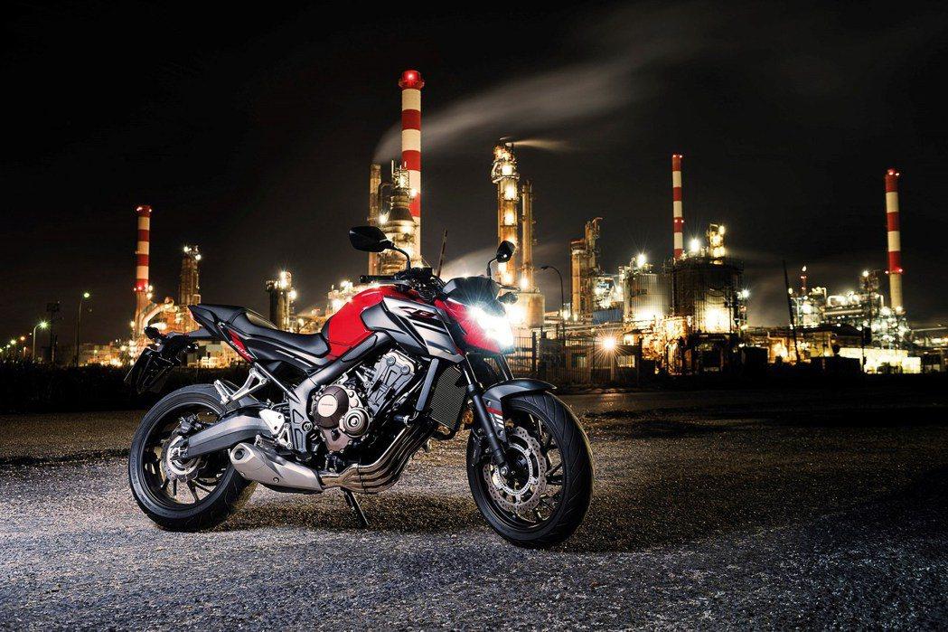 2017 Honda CB650F。圖/Honda Taiwan提供