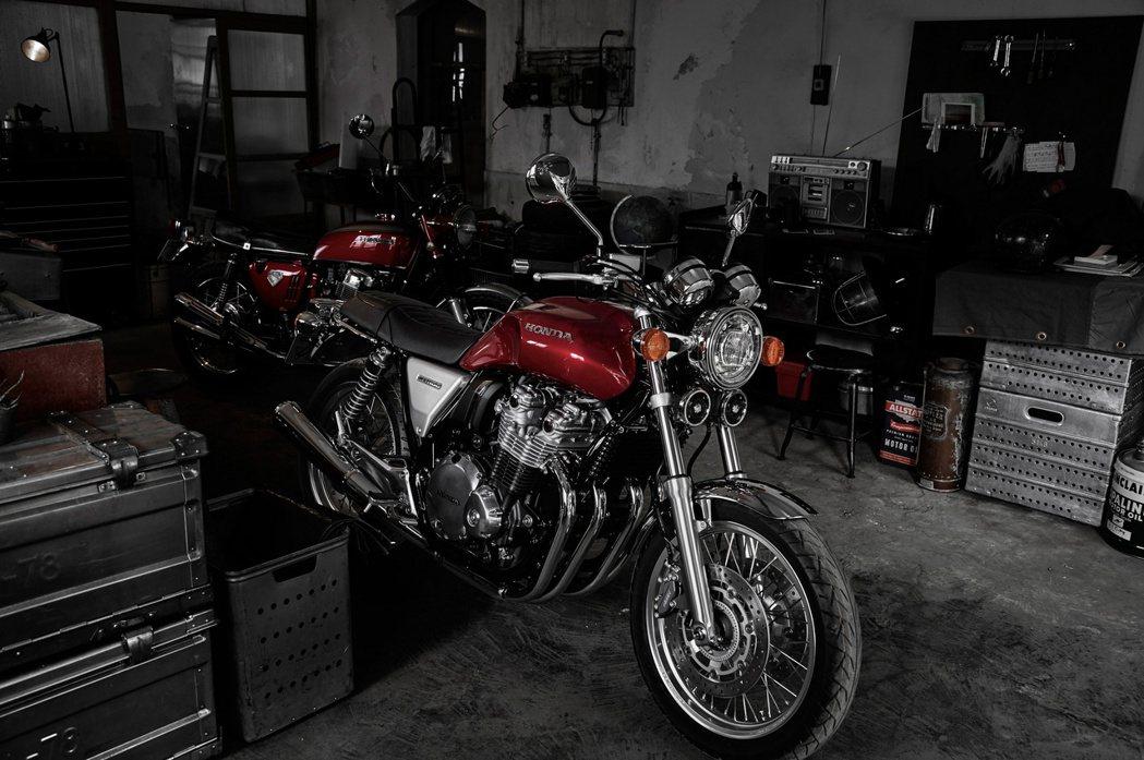 2017 Honda CB1100EX。圖/Honda Taiwan提供