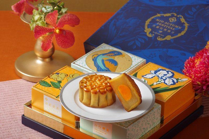 傳統廣式的蓮蓉蛋黃內餡月餅。 歐華/提供