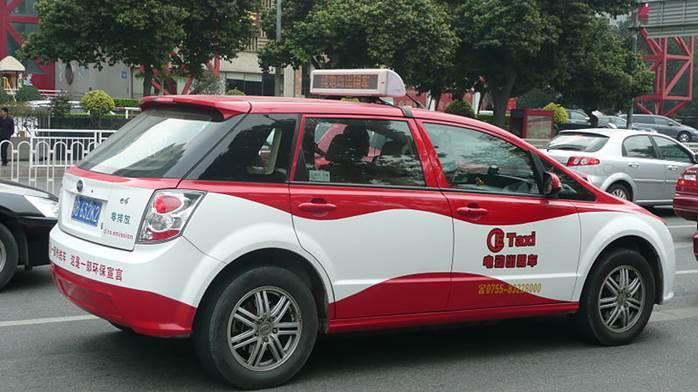 中國深圳電動計程車採用比亞迪BYD e6車款 (圖片來源:維基百科)