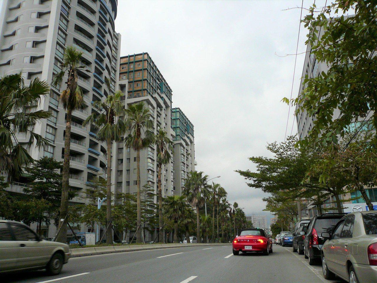台灣房屋統計實價資料指出,出口強力彈升帶動科學園區周邊房市買氣,內科周邊房價回漲...