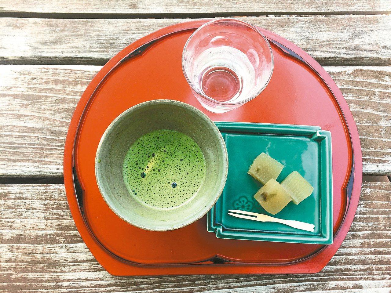 圖四:五色沼茶室抹茶。 蔣勳/圖片提供