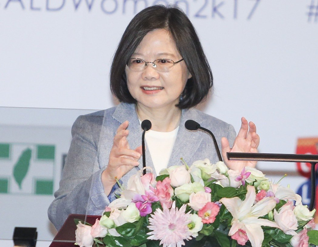 蔡英文談女權 讚呂秀蓮「台灣民主化歷程重要推手」