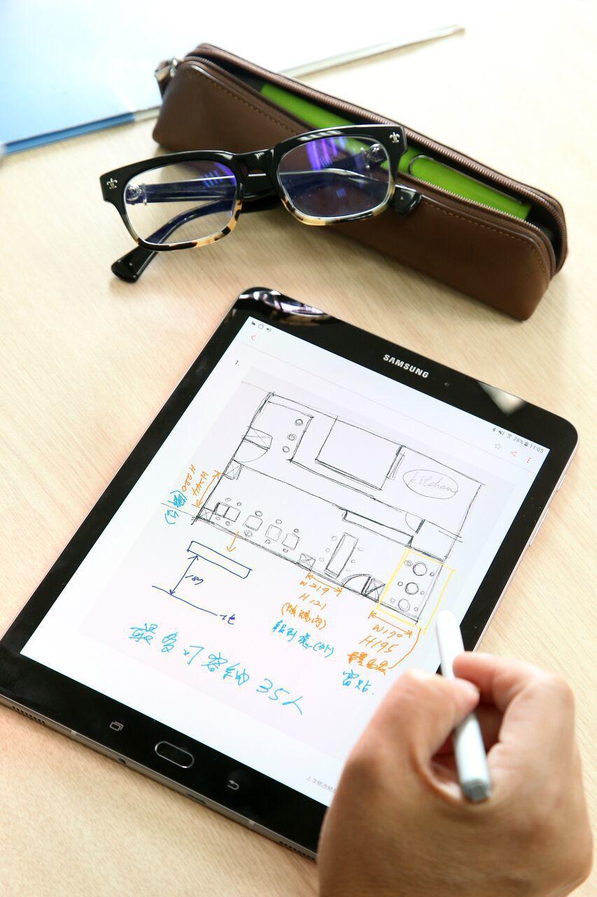 新升級的S PEN,帶來更擬真的手寫感受,隨時記錄重要想法。陳立凱/攝影