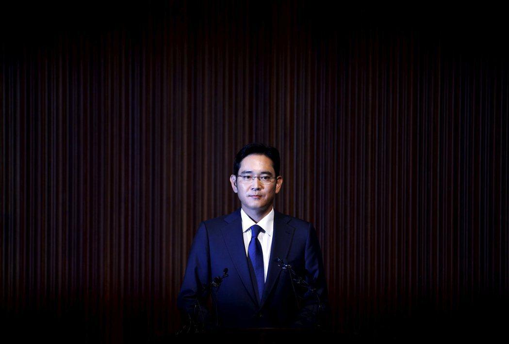 包括李在鎔在內的三星捲入干政案風波,南韓法院將在8月25日做出一審宣判。 圖...