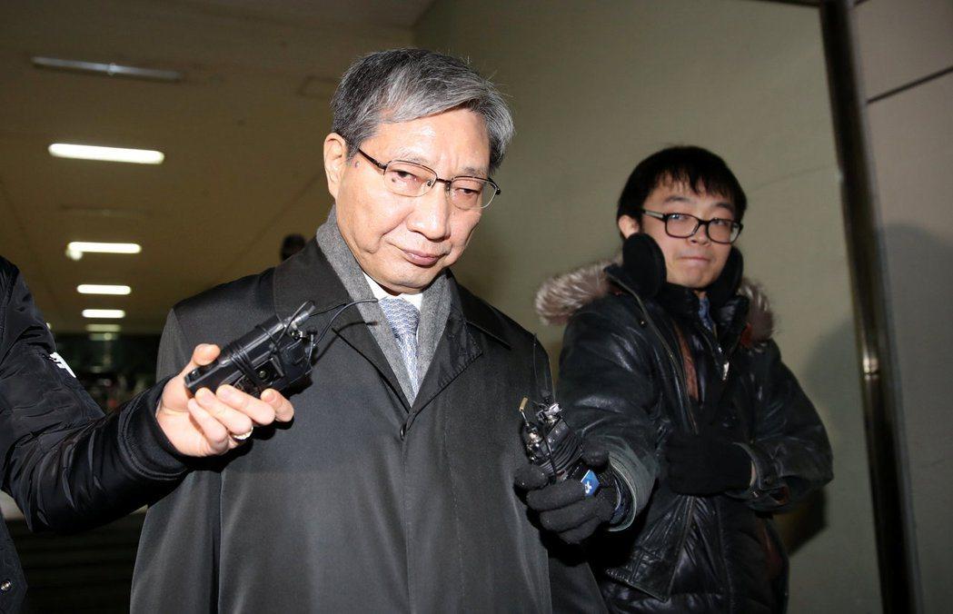 「張忠基社長您好,想拜託社長贊助金額能比去年再多給1億韓元...以後我們會以更好...