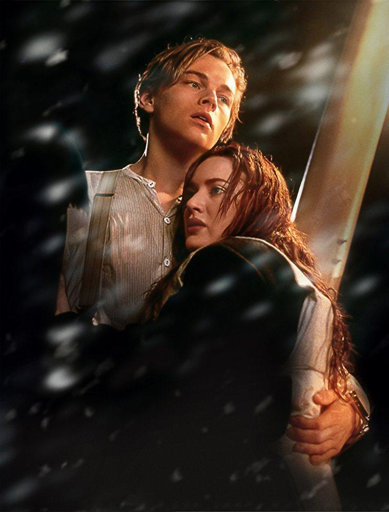 「鐵達尼號」橫掃全球票房,李奧納多狄卡皮歐與凱特溫絲蕾成為經典銀幕情侶。圖/摘自...