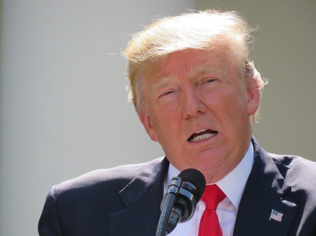 美國總統川普10日在新澤西州談及北韓威脅表示,有人質疑他的「戰火與烈火(fire...