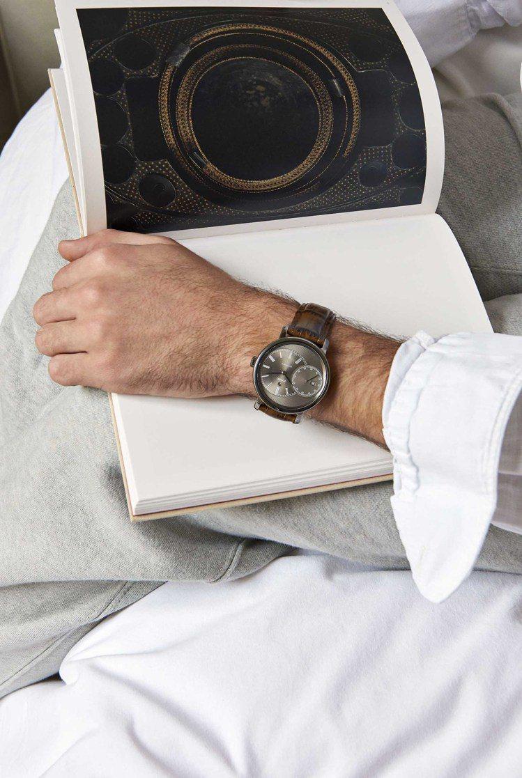 眼尖的表迷必定會發現到,今年各家品牌的新款腕表,除了常見藍、黑色表盤之外,灰色也...