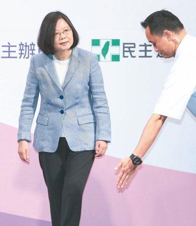 工商界呼籲重啟核電以因應供電危機,總統蔡英文10日在臉書強調,核四不會是台灣的選...