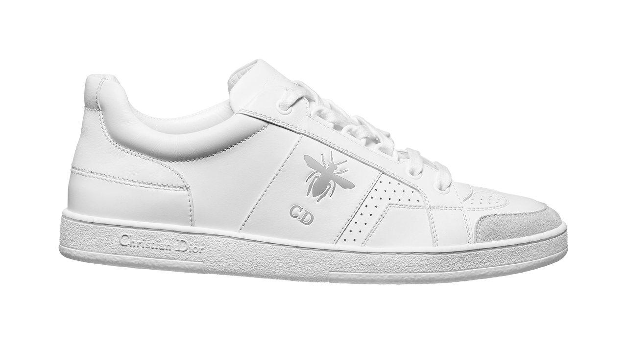 DIOR D-Bee 銀色蜜蜂裝飾白色小牛皮拼接麂皮運動鞋,NT$28,000