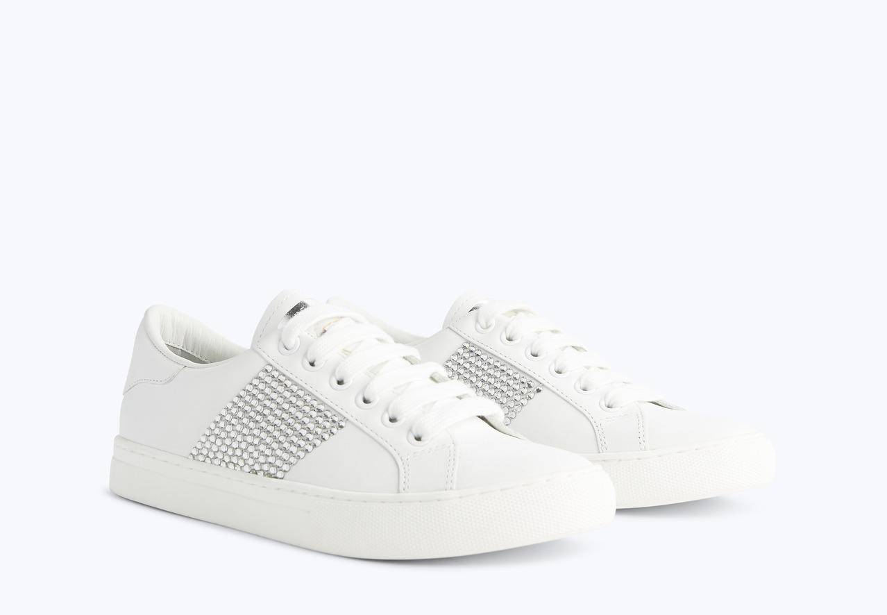 Marc Jacobs 水鑽裝飾白色休閒鞋,售價未定