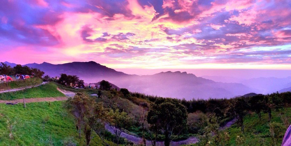 「翡述景園」坐擁變化多端的美麗雲海,令人嘆為觀止。(圖片來源/翡述景園粉絲團)