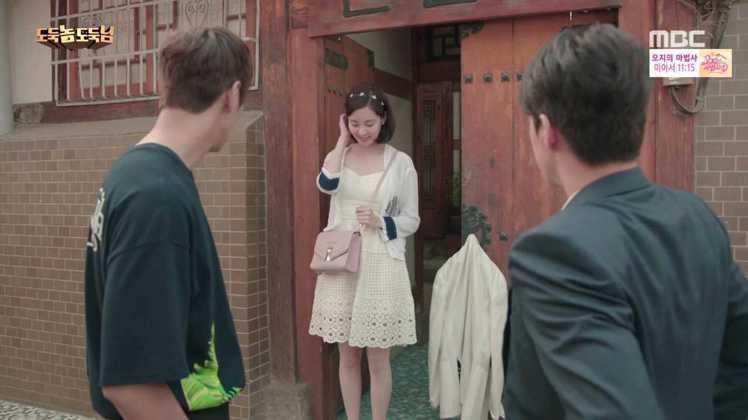 徐玄詮釋出Janey白色蕾絲洋裝的性感甜美。圖/imbc.com
