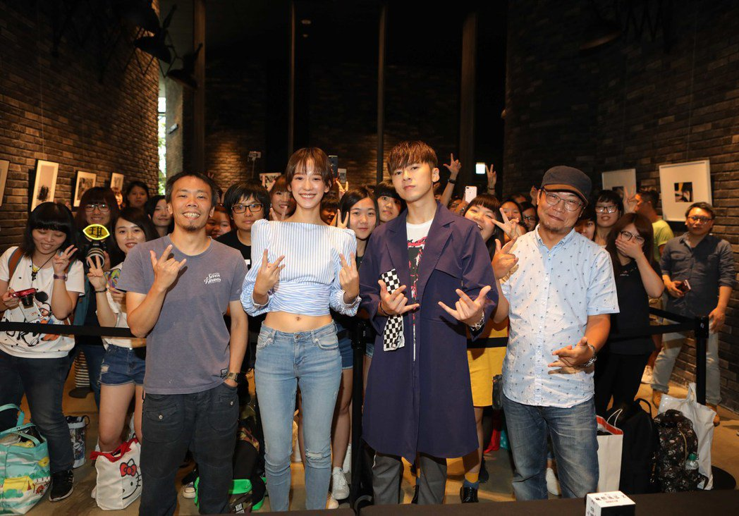 導演蕭力修(左起)、孟耿如、李國毅、洪伯豪出席「麻醉風暴2」粉絲見面會。圖/公視