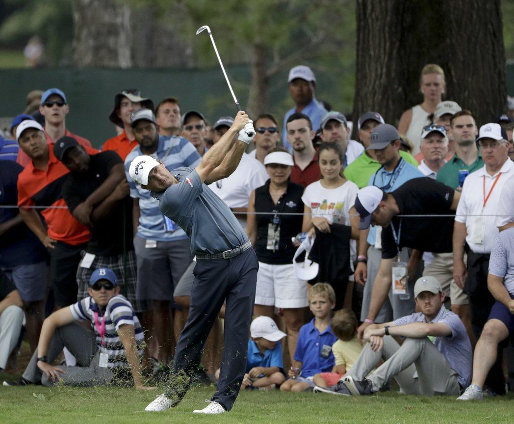 金斯勒在PGA錦標賽取得領先。 美聯社