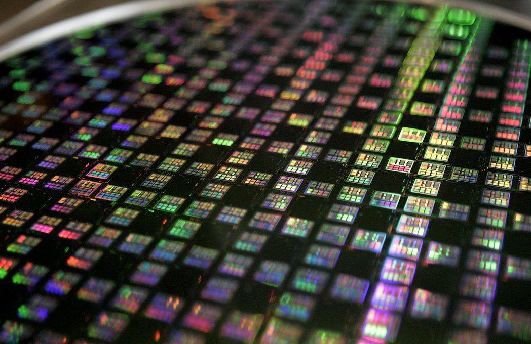 北美半導體協會公布全球第2季半導體矽晶圓出貨,再創歷史新高。 路透資料照