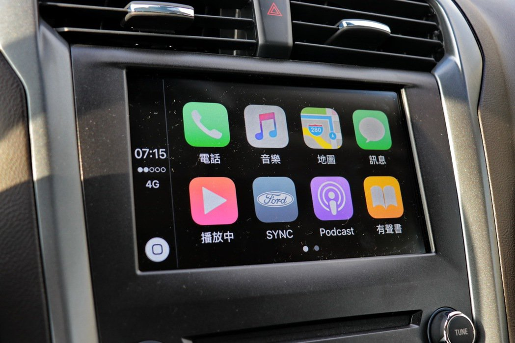SYNC 3亦支援Apple CarPlay或 Android Auto。 記者陳威任/攝影