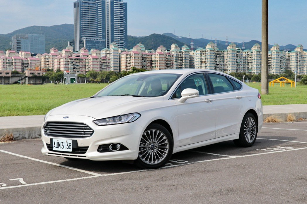 Ford Mondeo EcoBoost 240。 記者陳威任/攝影