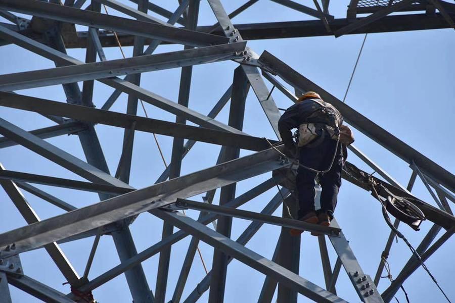 行政院長林全13日公布供電好消息,和平電廠輸電塔預計14日修復、供電130萬瓩。...