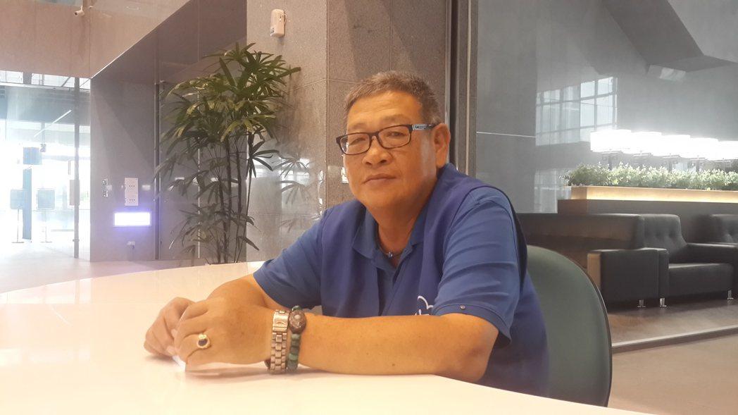 海軍退役潛艦士官長趙祚海,樂於在橋頭地院當志工服務民眾。記者黃宣翰/攝影