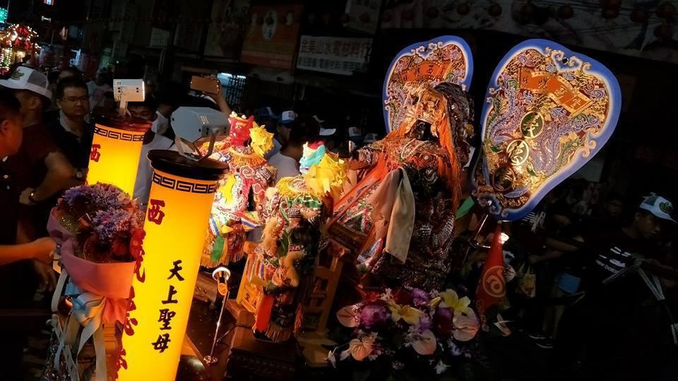 雲林縣斗六市昨晚廟會活動特別精彩,難免因噪音、塞車引發民怨,民眾抱怨陣頭過後,讓...