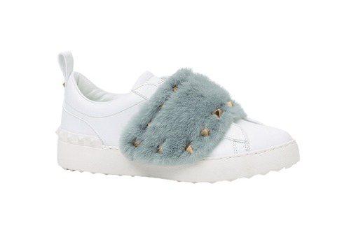 Valentino Garavani 皮草裝飾運動鞋,40,800元。圖/Val...