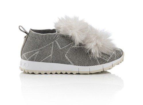 Norway皮草毛球裝飾休閒鞋,30,800元。圖/Jimmy Choo提供