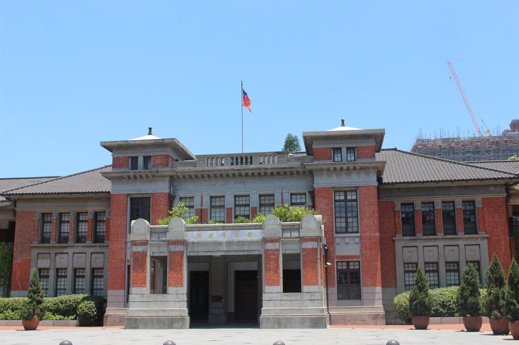 新竹市府紅磚古蹟,也是外拍熱點。 記者張雅婷/攝影