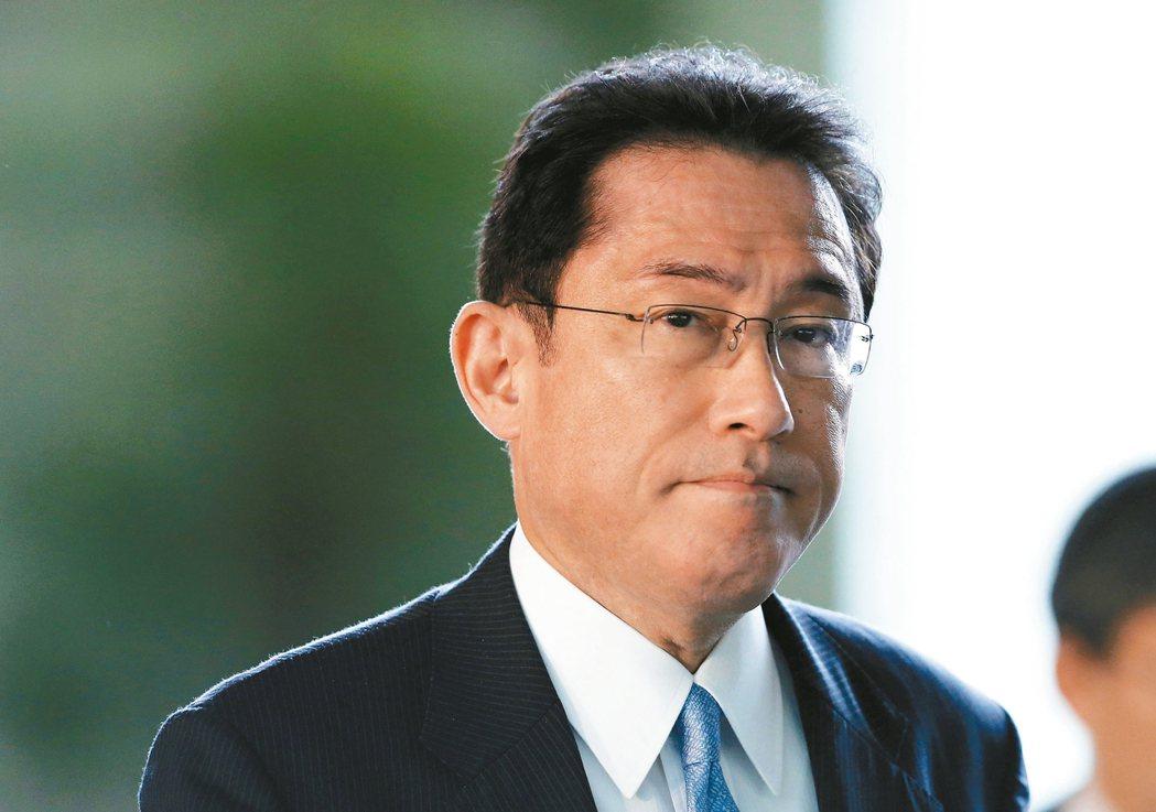 岸田文雄   退出內閣,專注黨內事務,勤跑地方奠定基礎
