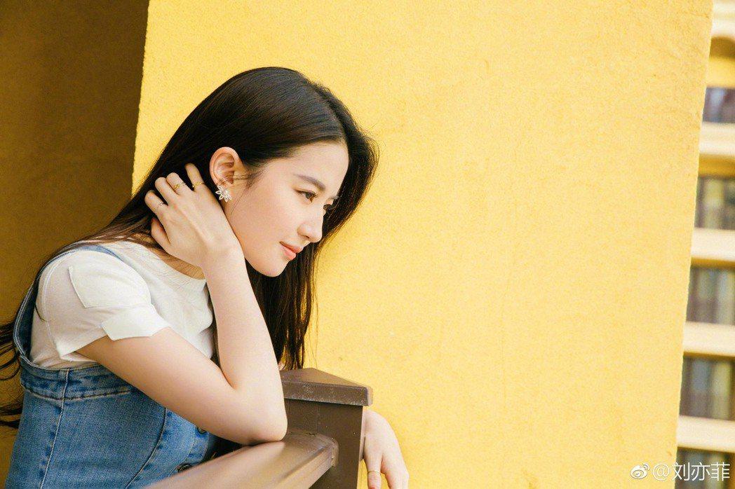 劉亦菲素有「神仙姐姐」之稱。 圖/擷自微博。