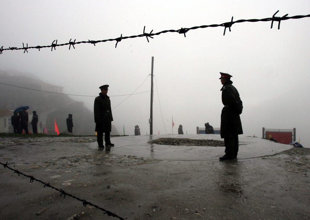 中國在秋季的十九大前將有高度的壓力。多克蘭雖然在十月將進入雪期,但衝突爆發的可能...