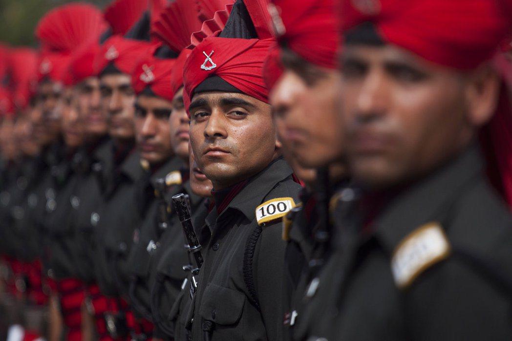印度應不丹之邀,派軍進駐多克蘭,以阻止中國在該區的工程。 圖/美聯社