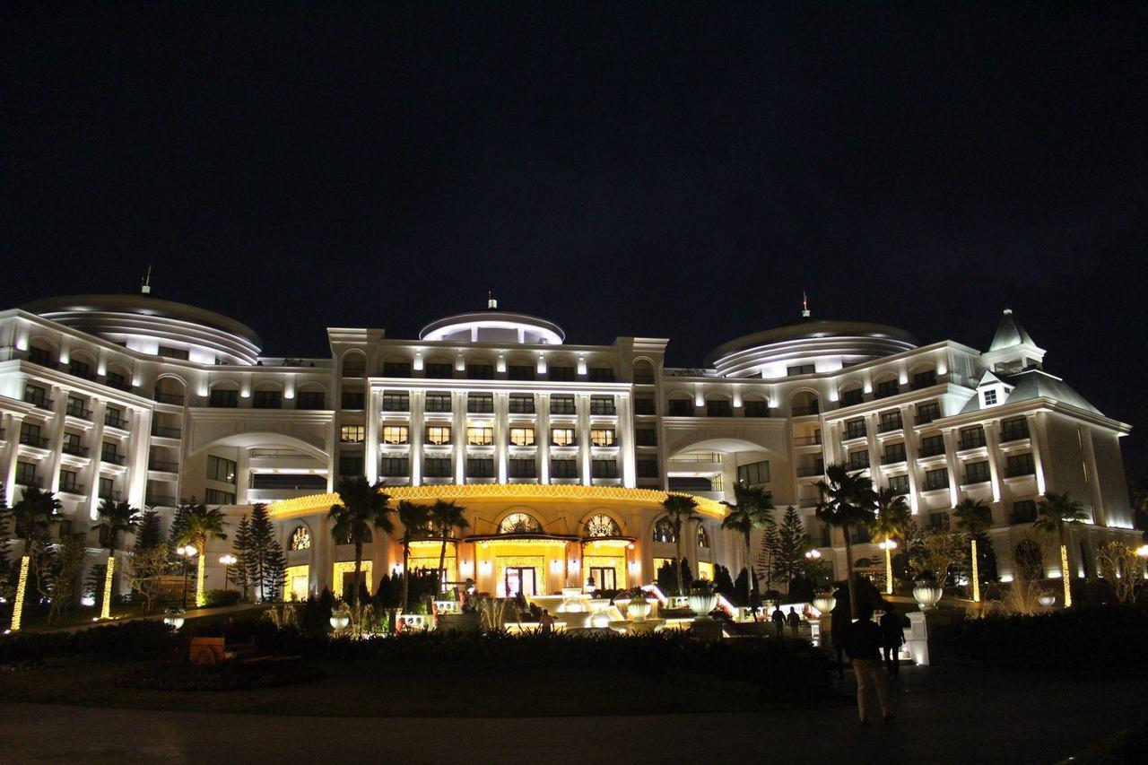 擔任領隊可以住遍各地高檔飯店。北越也流行一島一飯店。記者張雅婷/攝影
