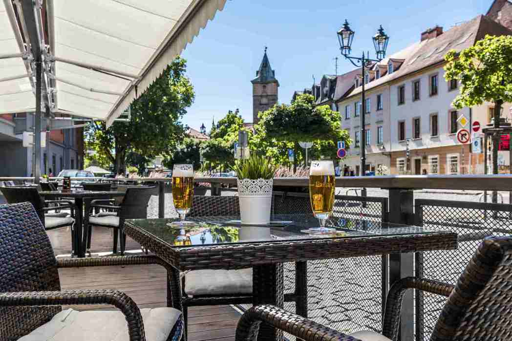 捷克比爾森萬怡酒店,就位在皮爾森歐克啤酒廠附近,提供旅客們一個舒適方便的落腳處。...