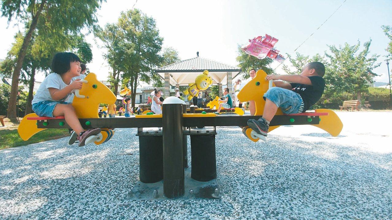 宜蘭縣三星公園增添新的洛克馬元素,成為「洛克馬主題公園」,深受大人小孩喜愛。 記...