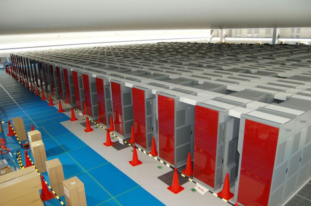 日本理化學研究所的超級電腦「京」2011啟用時是全球最強的電腦,但隨即被美國和大...