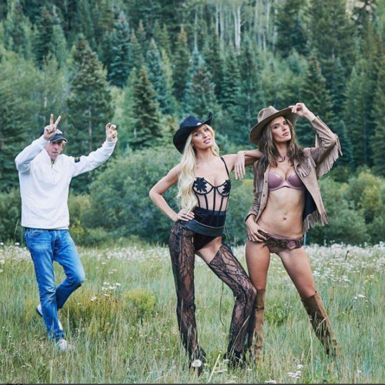 (左到右)Candice Swanepoel和Alessandra Ambros...