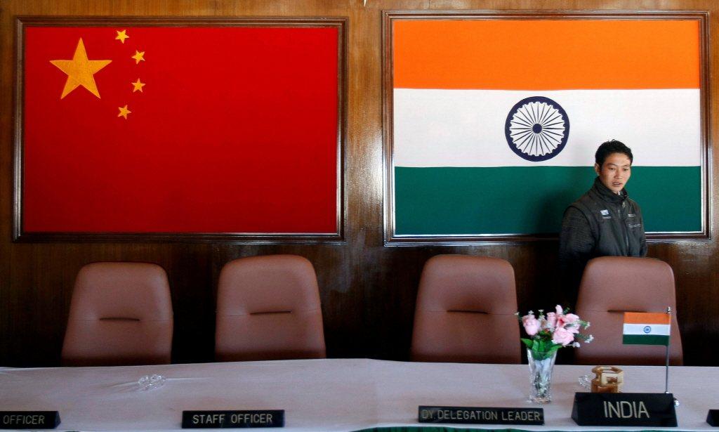 中國的戰略地理使其在處理同時發生的外部危機時有先後次序。中印邊界的對峙如果持續下...